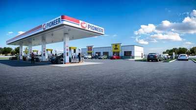 Maduxx-SantanG-Pioneer-Gas-Image02-FINAL